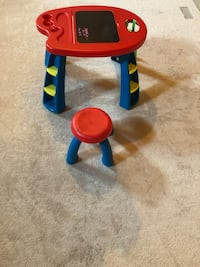 Kids craft table and stool King, L7B 0B6
