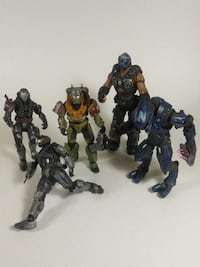 Halo figure lot + games of war