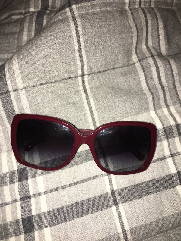 Burberry sunglasses 0