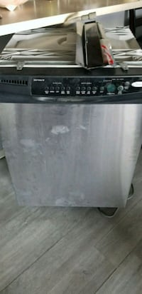 black and gray Whirlpool dishwasher 1951 mi