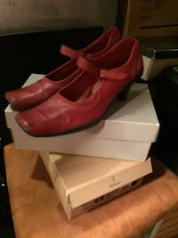 pair of red leather heeled shoes with box Toronto, M5A 4A2