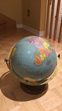 Old Globe (Great for Repurpose) Montréal, H9C 2X6