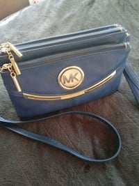 Micheal Kors Hand/Wrap Around Purse Indianapolis, 46226