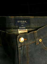 GUESS JEANS SIZE 28 WOMEN