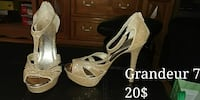 pair of size 7 glittered gold-colored chunky-heeled sandals Ville de Québec, G1J 4X7
