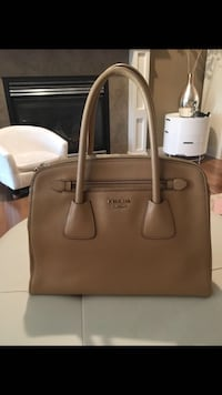 Authentic Prada Saffiano Cuir Double-Zip Tote Bag**PRICE IS FIRM** Richmond, V7A 1N5