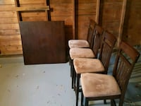 Mint Condition Wood Dining Table with 4 chairs Brookfield, 60513