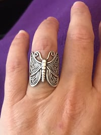 Very beautiful and intricately designed butterfly ring 782 km