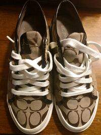 Woman's Coach sneakers West Chester, 19382