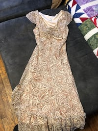 women's gray and white floral dress Omaha, 68104