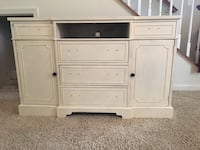 Antique tv cabinet  Fort Belvoir