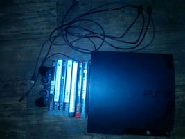 PlayStation 3 with controller seven games included