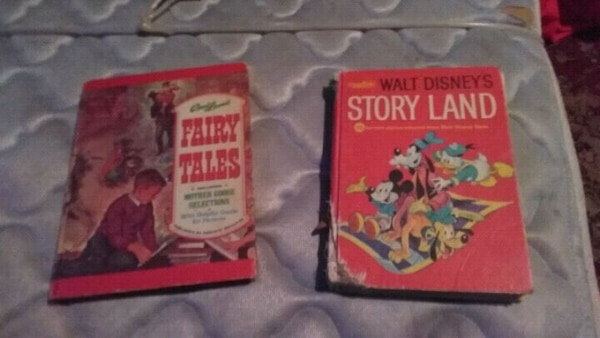 Two kids books fyll of storys from 1975