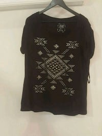 ***⛄Winter Clearance Sale⛄-Now $7.50****Black Tee with Tie Up Sleeves Mississauga, L4Z