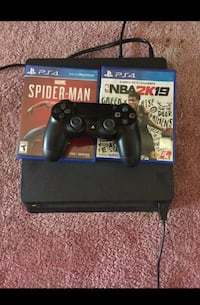 Ps4 slim 1tb// two controller// power cord   Columbia
