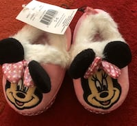 new Disney Minnie Mouse Girl's Toddler Slippers size 5-6 pick up only) Alexandria, 22310