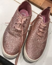 Glitter shoes - size 9 Manchester, 03102