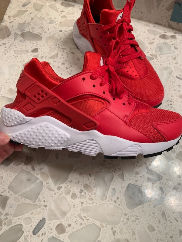 3d5490996c Used Red Huaraches Youth for sale in Kissimmee - letgo