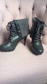 Gray boots size 8 New York, 11103