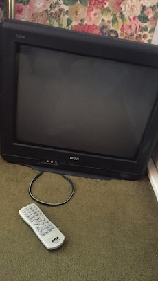 black RCA widescreen CRT TV with remote