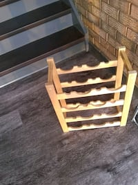 Wooden wine rack holds 12 Alexandria, 22306