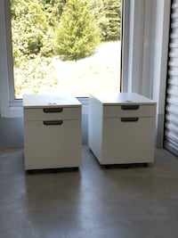 White, 2 drawer file cabinet, Rolling