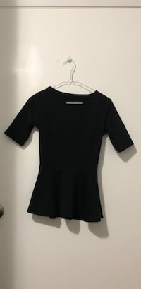 Black scoop neck cap sleeve dress small size Coquitlam, V3J 3N9
