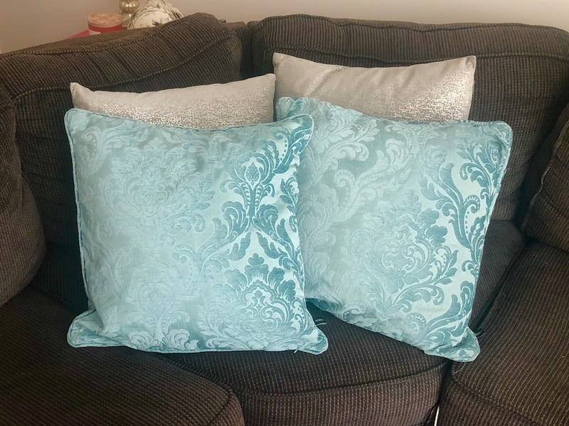 Couch Pillows c2157641-e99a-46c7-af30-97d68a1190a9
