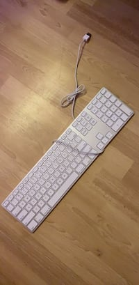 Apple USB keyboard Burnaby, V3N 4M7