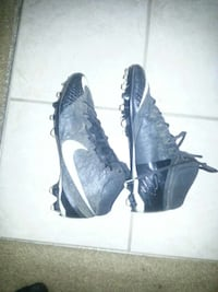 size 10 football cleats Newburgh, 47630