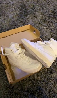 Women's Air force 1s high top size 7.5  Toronto, M1R 2R8