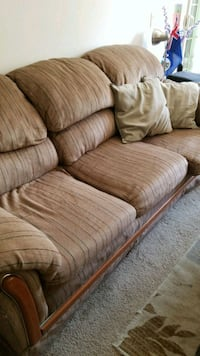 Couch w/ Throw Pillows