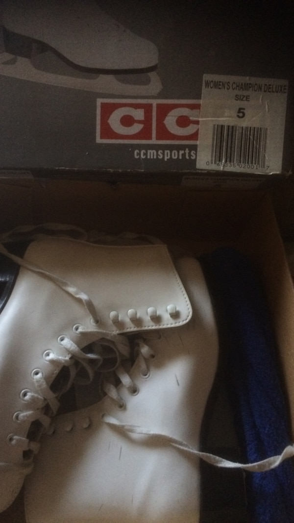 6ae1881be5f Used Pair of women s white ice skates in box for sale in East Brunswick