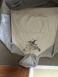 gray and white pullover hoodie Collingwood, L9Y 3Y2