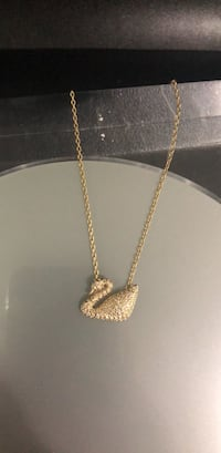 Swarovski gold swan necklace Toronto, M1T 2B6