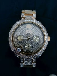 round silver-colored chronograph watch with link b Midland, 79701