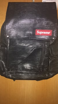 Black and red supreme backpack St Catharines, L2T