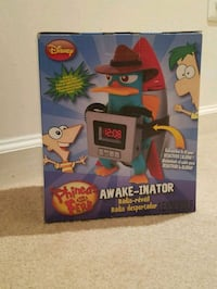 Disney Phineas and Ferb Digital Alarm Clock AM/FM  Radio Aldie, 20105