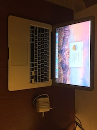 MacBook Air 13in 2017 Silver Spring