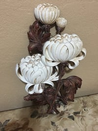 """Home Interior 18"""" tall,wall decor,Brown and white flowers  El Paso, 79915"""