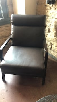 black leather padded brown wooden armchair Nashville, 37201