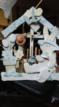 Must go! Wooden Easter decoration for wall or door. Good condition. Located in Simcoe. Pickup only.