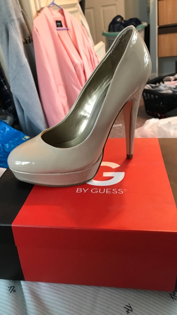 1a4ea8dfec27 Used Guess nude heals for sale in East Patchogue - letgo