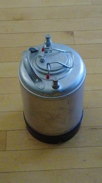 2 x 5 gal, and 1 x 2 gal kegs for homebrewing; also 1 x CO2 tank w/ guage Alexandria