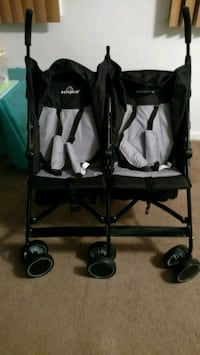Brand new double stroller   never used Arlington, 22204