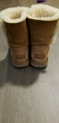 Ugg boots size 36 Burnaby, V5H 0H3