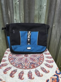Point Zero Laptop Bag Toronto, M2L 2J2