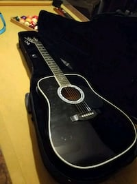 black classical guitar with case Dallas, 30157