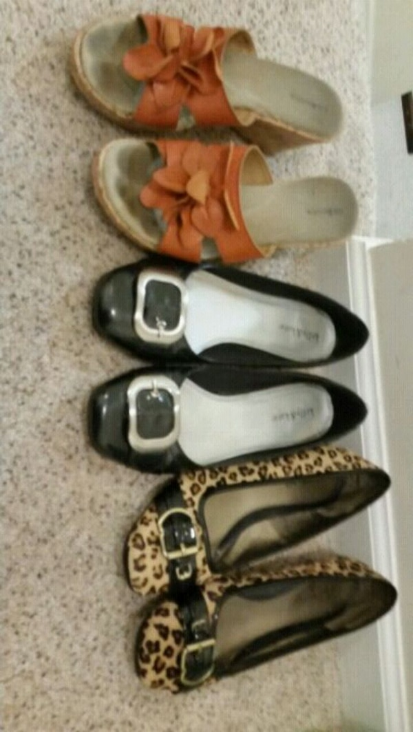 Women assorted shoes