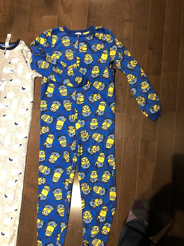 Boys Fleece Footless Onesies sz10-12 5a2751d9-b6c1-42f5-8e0e-91b90bf927f4